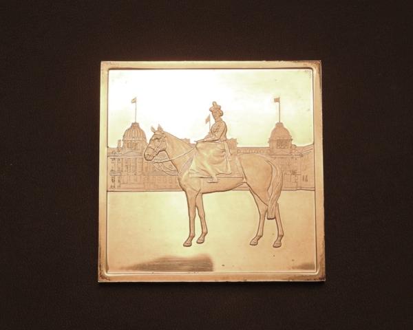 Mdaille-ARGENT-118gr-Silver-Jubilee-Queen-Elisabeth-II-1977-Reine-CHEVAL-282953885026-8